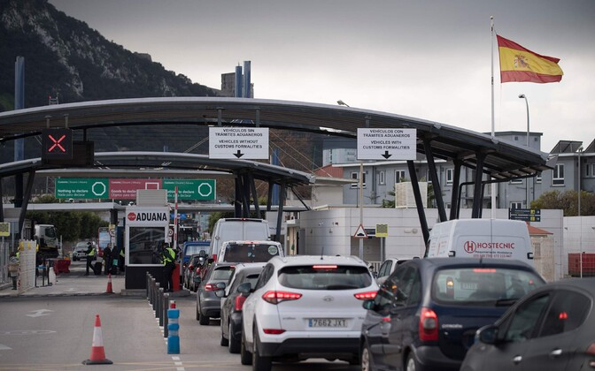 Autod Hispaania-Gibraltari piiril.