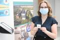 Esimese koroonaviiruse vastase vaktsiini sai Eestis arst-resident infektsioonhaiguste erialal Jelena Rozinko Kohtla-Järvel