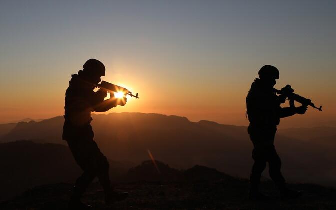 India sõdurid Himaalaja mägedes