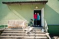 Работники дома попечения в Лихула, в котором весной была зафиксирована вспышка коронавируса.