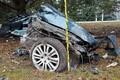 Pärnumaal hukkus vastu puud sõitnud auto juht.