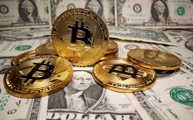 Цена биткоина превысила 31 000 долларов.