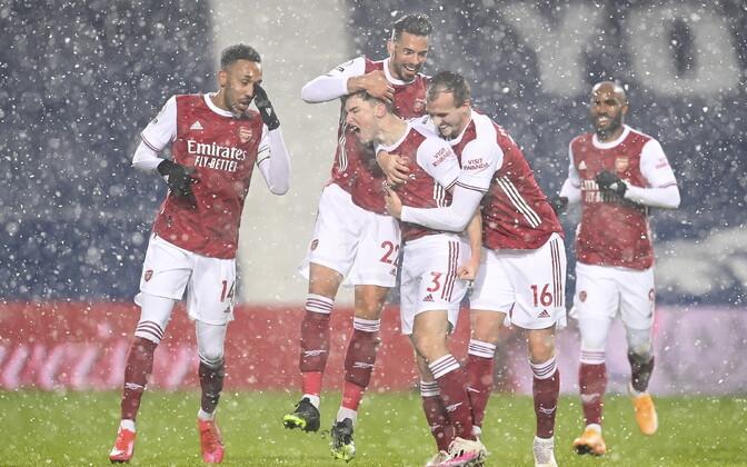 Arsenal teenis Inglismaal lumesajus kolmanda järjestikuse võidu