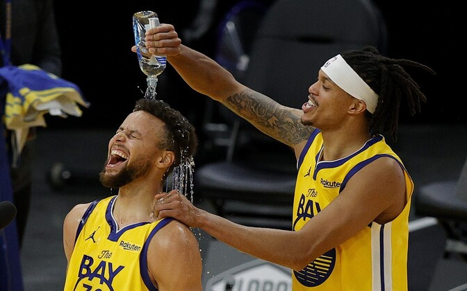 Stephen Curry ja Damion Lee