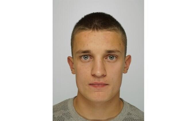 20-летний Роман.