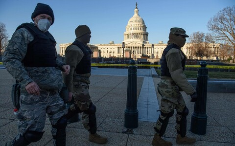 USA Rahvuskaart Kapitooliumi juures.