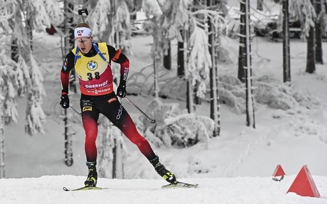Мужской спринт в Оберхофе выиграл лидер общего зачета КМ норвежец Йоханнес Тиннес Бё.