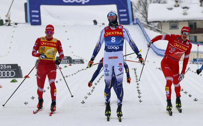 Oskar Svensson napsas finišijoonel esikoha venelaste Gleb Retivõhhi ja Aleksandr Bolšunovi ees