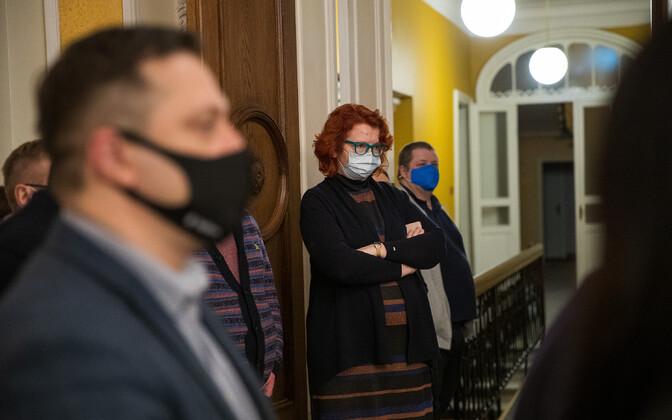 Yana Toom Toompeal ööl, kui peaminister Jüri Ratas teatas, et lahkub ametist.