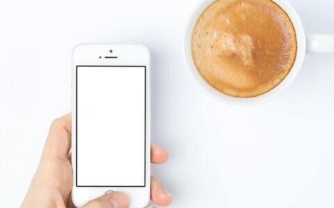 Teadlased loodavad, et läbipaistvast puidust saab tulevikus ka nutitelefonide ekraane teha.