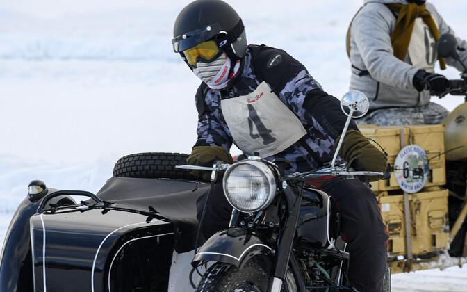 Фестиваль любителей ретро-мотоциклов в Нарва-Йыэсуу.