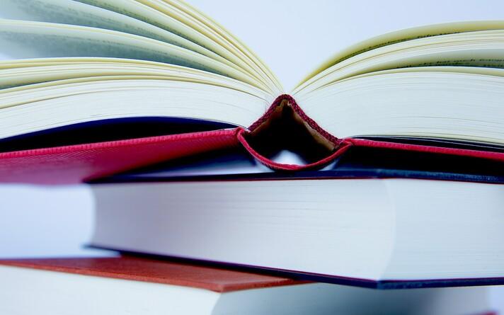 Книги. Иллюстративная фотография.