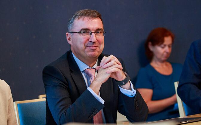 Sutt: Eesti Postile on vaja leida toimiv ärimudel