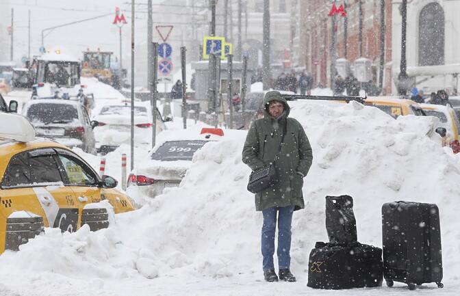 Tihe lumesadu halvas Moskva liikluse