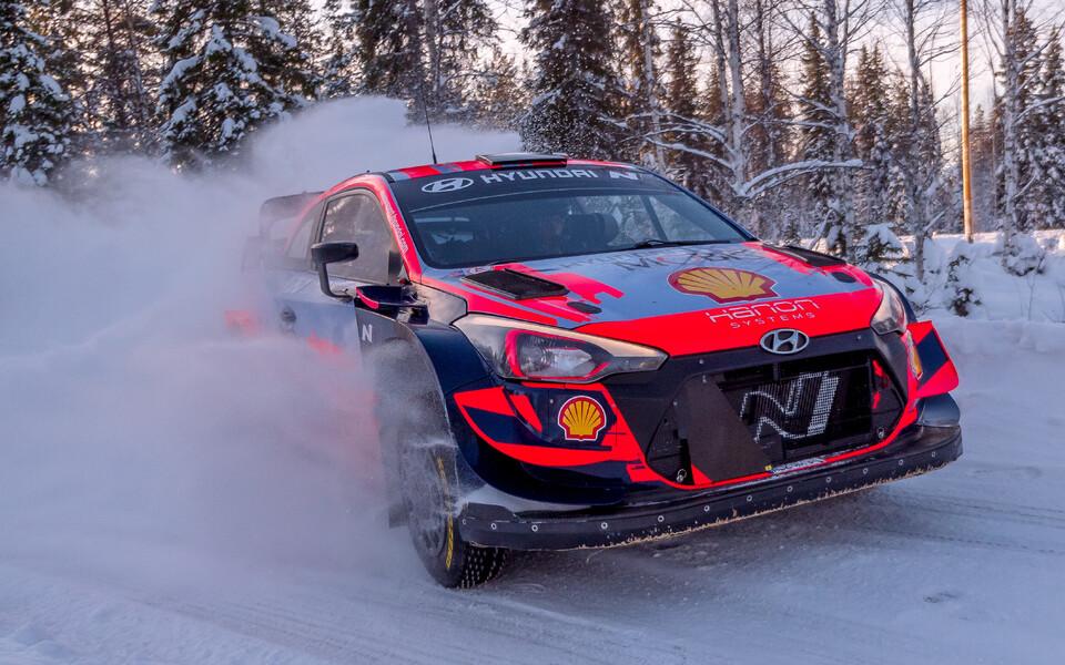 Oliver Solberg Lapimaal Hyundai WRC autot testimas.