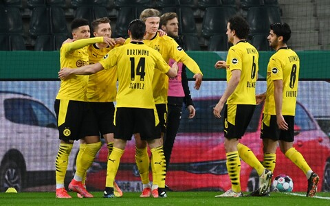 Dortmundi Borussia tähistamas Jadon Sancho väravat.