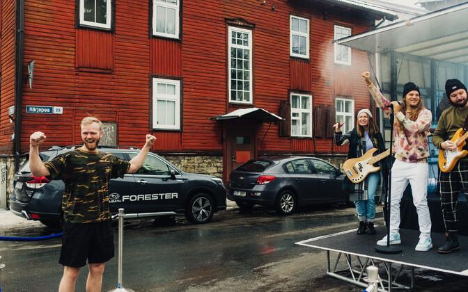 Daniel Levi üllatas fänne kontserditega nende koduõuel.