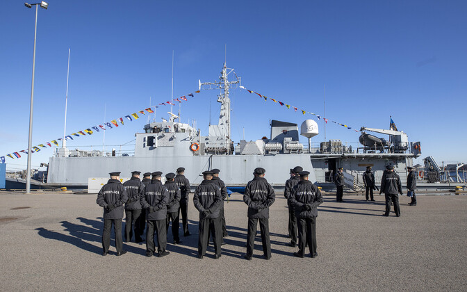 Changeover of command ceremony for ENS Admiral Cowan at the mine harbor Thursday, March 4.