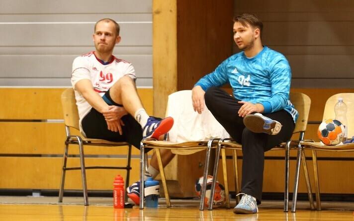 Eesti ekskoondislased Sten Toomla (vasakul) ja Kristian Käbi särasid Raasiku/Mistra eest, vastavalt kümme väravat visates ja suurepäraseid tõrjeid tehes.