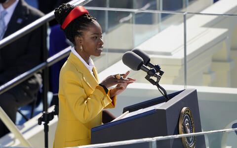 Amanda Gorman on noorim luuletaja, kes USA presidendi ametisse vannutamisel esinenud.