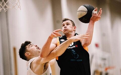 Pärnu Sadama mängija Mihkel Kirves kohtumises Tallinna Kalev/TLÜ vastu