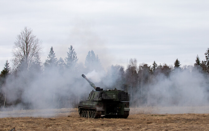 K9 Thunder SP howitzer in action on the EDF's main training ground this week.