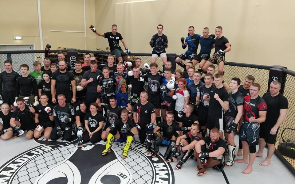 Eesti vabavõitlusklubide sportlaste ühine sparringupäev Tallinnas 2020. aastal