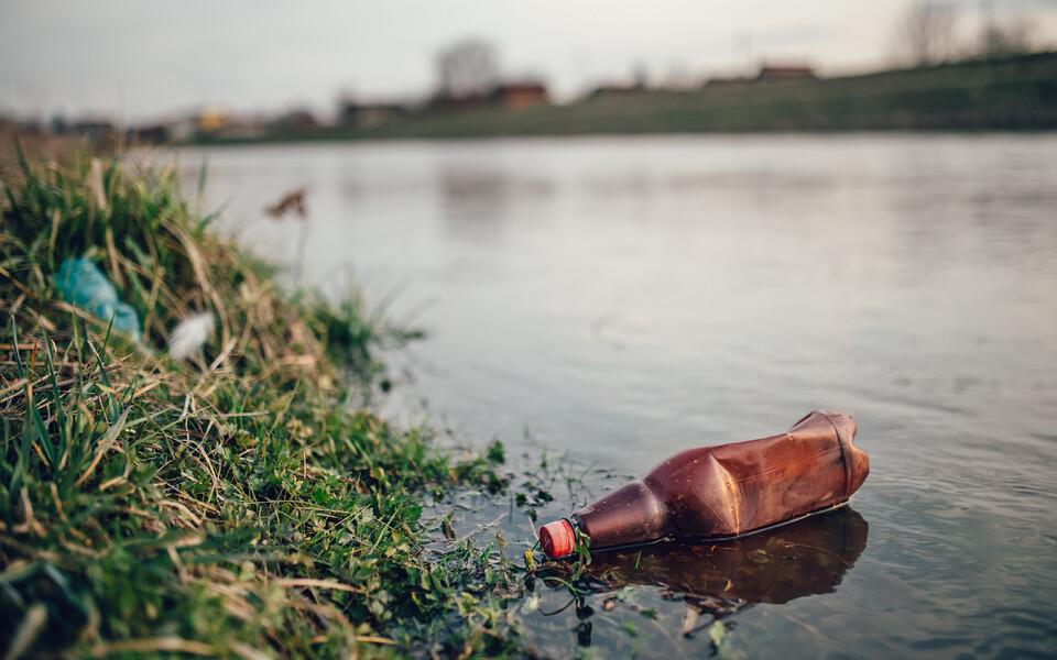 Kui vee pinnal hõljuvat prahti uurida ja mõõta on üsna lihtne, siis sügavamale vette või merepõhja jõudnud reostusest pole teadlastel kuigi head aimu.