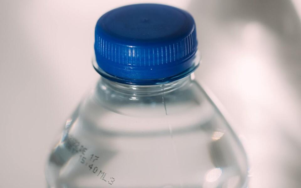 Plastikpudel