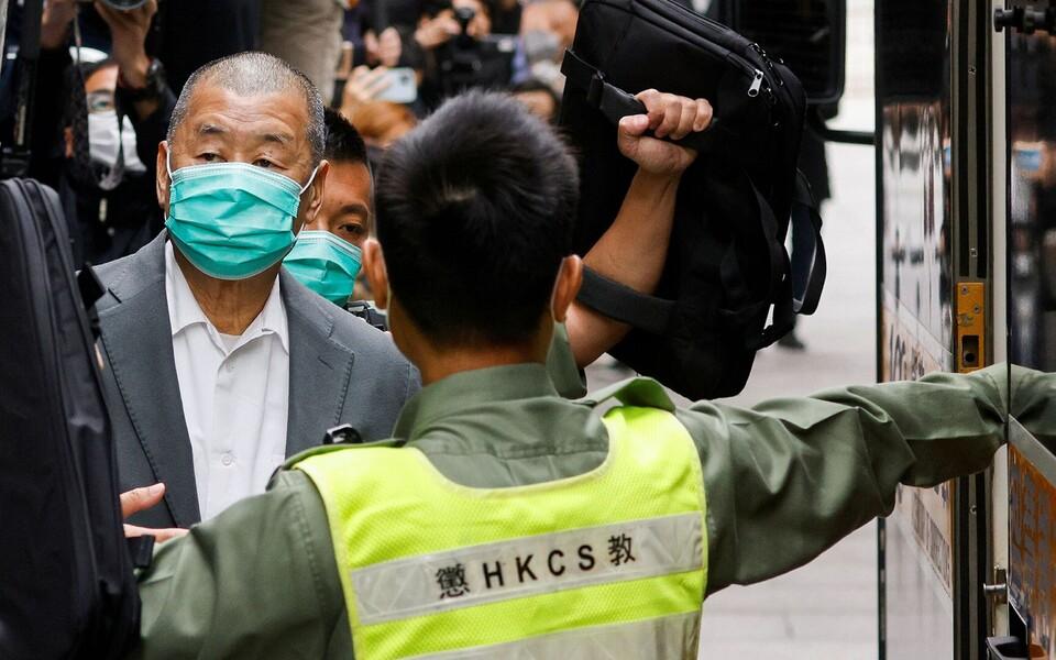 Гонконгского медиамагната приговорили к тюрьме за организацию акций протеста
