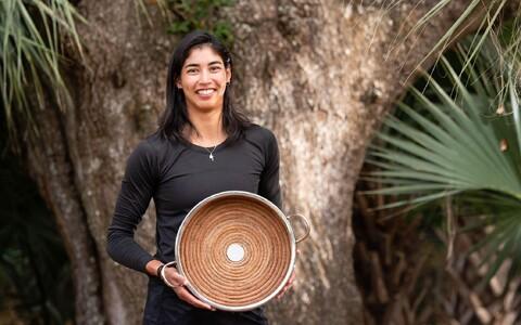 Astra Sharma trofeega