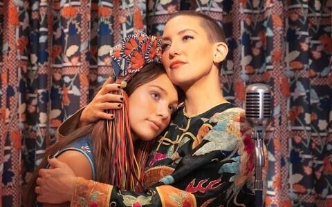 Maddie Ziegler ja Kate Hudson filmis