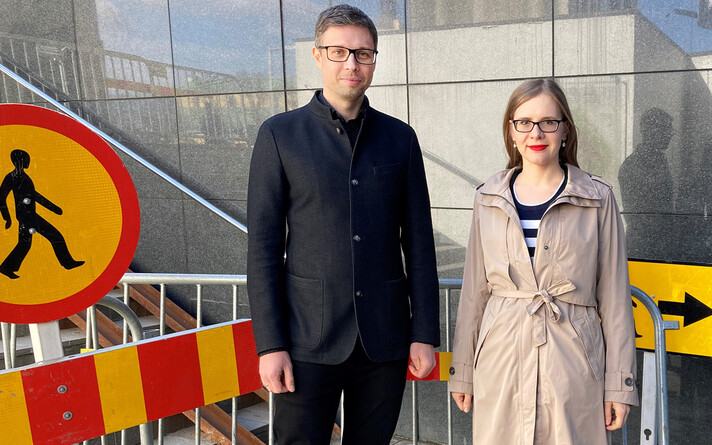Raido Roop ja Kaidi Põldoja keset Tallinna torukultuuri