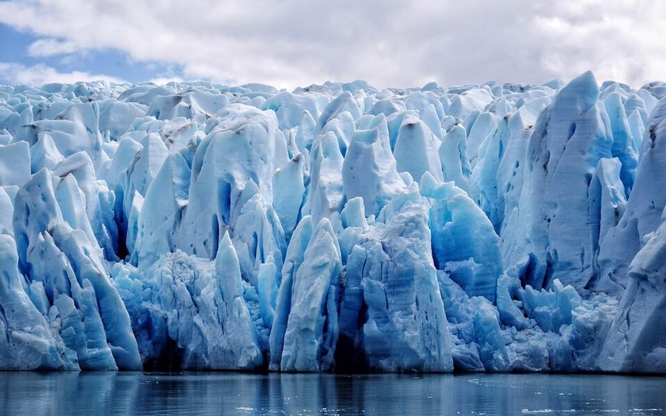 Tuli välja, et poolustenihkele annab enim hoogu alates 1990. aastatest kliimamuutuse tõttu sulanud jää.