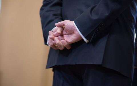 Ametnike roll oma valdkonnas toimuva üle otsustamisel on nimelt palju suurem, kui Raudla sõnul sageli arvatakse.