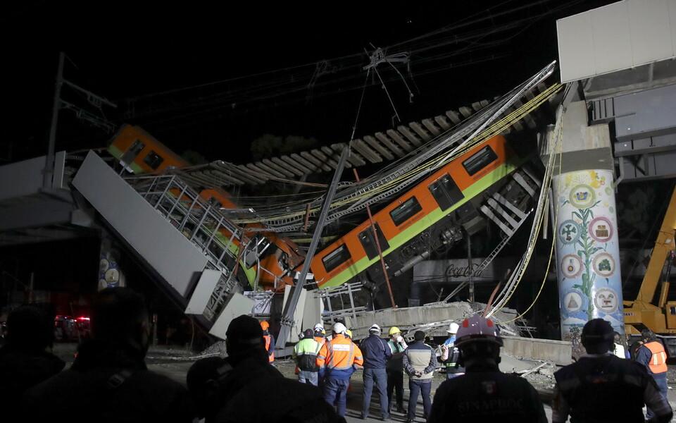 В столице Мексики обрушился метромост.