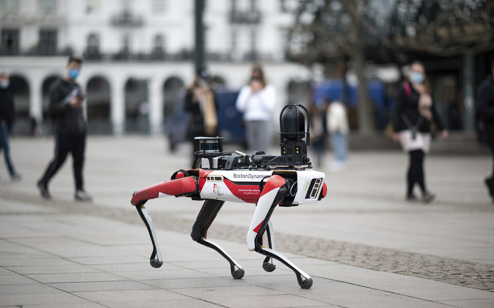 Politsei kasutatud digikoer põhines ettevõtte Boston Dynamics loodud robotil Spot.