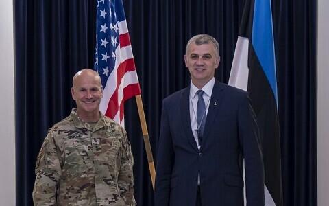 Gen. Christopher G. Cavoli with Ministry of Defense Permanent Secretary Kristjan Prikk.
