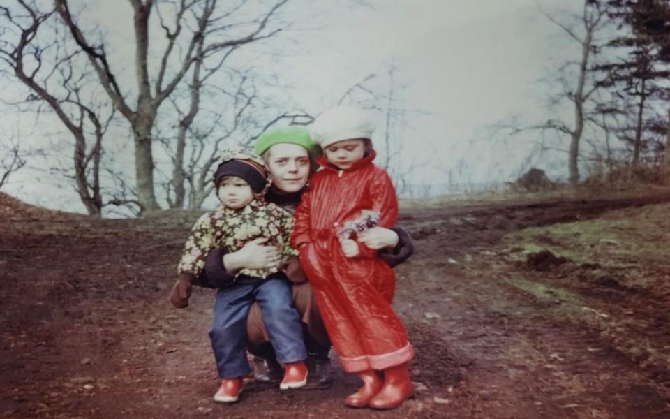 Elisabet Reinsalu ema ja õega