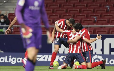 Madridi Atletico mängijad väravat tähistamas
