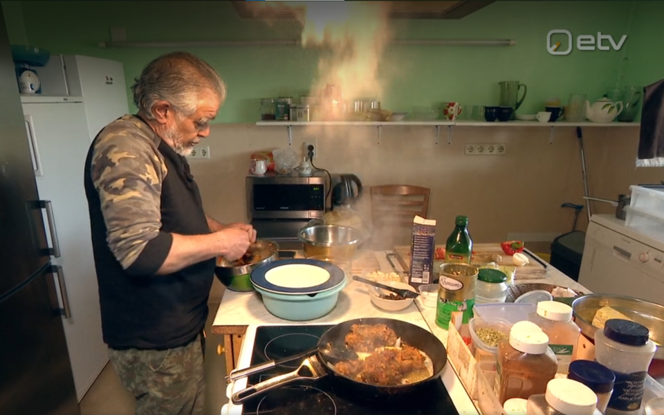 Pakistanist pärit Shafique Qureshi on juba peaaegu 30 aastat Eestis elanud ja armastab üle kõige söögitegemist ja Läänemaad.