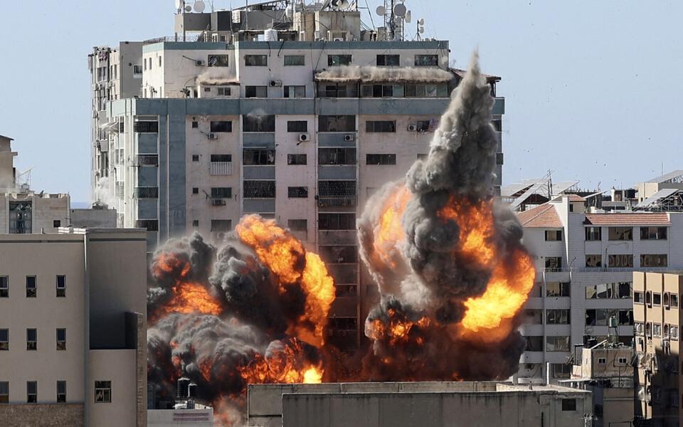 Офисы СМИ в Газе разрушены.