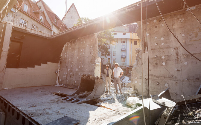 Linnateatri uus peanäitejuht Uku Uusberg ja direktor Mihkel Kübar astusid ametisse.