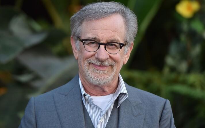 Filmilavastaja Steven Spielberg.