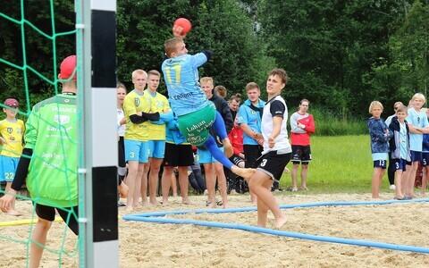 Hetk mulluselt rannakäsipalli Eesti meistrivõistluste Põlva etapilt.