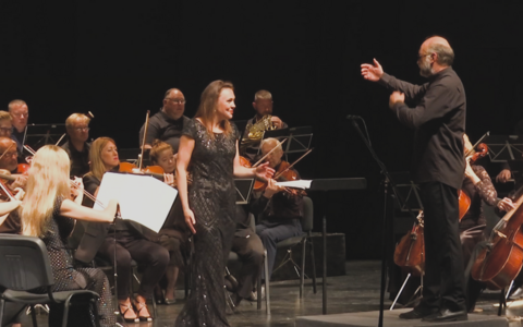 В Нарвском культурном центре Женева состоялся летний променад-концерт.