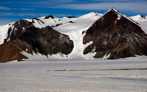 Shackletoni liustik Antarktikas.