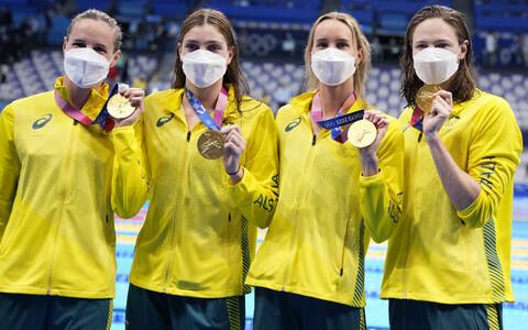 Austraalia 4x100 naiskond