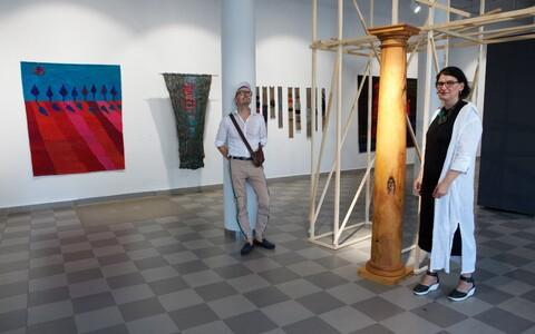 Tekstiilikunstik Aet Ollisaare ja sisekujundaja Madis Liplapi näitus