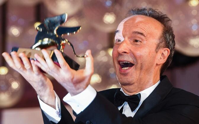 Festivali avaõhtul anti üle ka elutööpreemia Kuldne Lõvi, mille pälvis Itaalia näitleja Roberto Benigni.